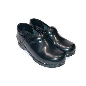 Sanita Women's Clogs Size 6.5